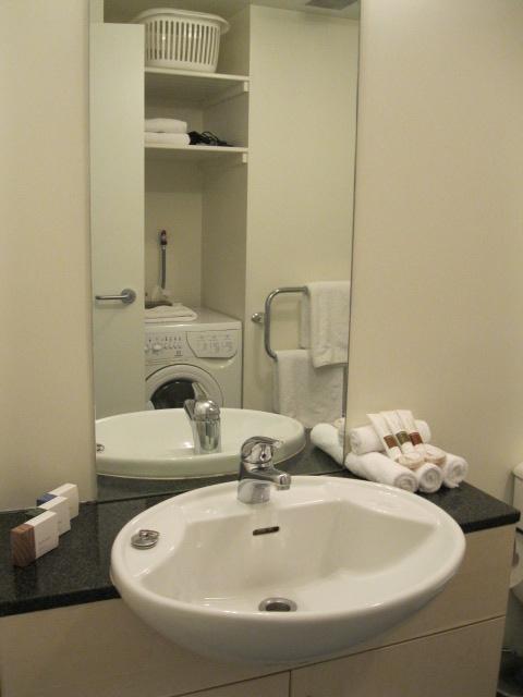 Whistler gallery queenstown accommodation whistler for Bathroom design queenstown